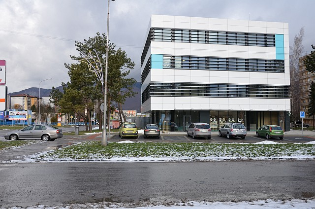 985aa6449 Turiec Online - Očné centrum UVEA v Martine: unikátna operácia laserom